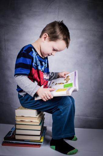 child_book_boy_studying